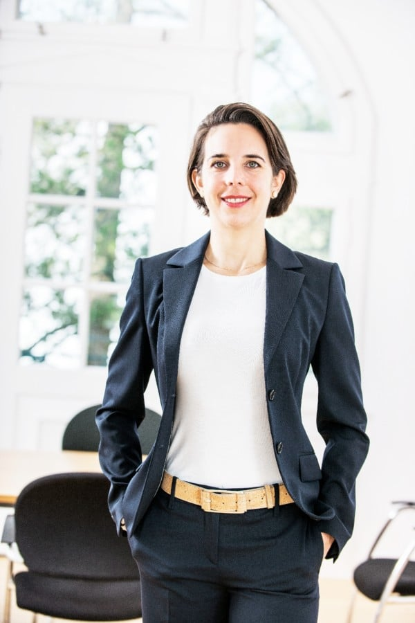 hannover-coaching-in-hannover-business-coaching-hannover-fuerungskraefte-coaching-hannover-persoenlichkeitscoaching-hannover-ines-mikisek-portrait-HF